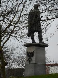 Standbeeld van Trajanus op het Keizer Trajanusplein in Nijmegen. Zijn bepaling om de militaire bezetting te verminderen en marktrechten aan de stad te geven is een belangrijk onderdeel van de Romeinse geschiedenis in Nederland.