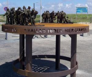 """Kunstwerk """"Brittenburg"""" te Katwijk, ter herdenking van Caligula's mogelijke aanwezigheid hier."""