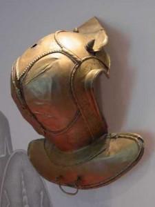 Rijk versierde helm uit Bodegraven