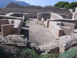 Ruïne van de Villa Iovis op Capri, waar Tiberius een groot deel van zijn oude dag sleet.