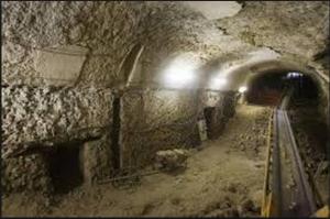 De in 2008 ontdekte cryptoporticus onder het Palatijn waar de moord op Caligula plaatsvond.