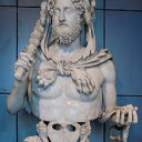 De gekke keizer Commodus wilde alle maanden in het jaar naar zichzelf vernoemen. Hij nam hier zelfs twaalf nieuwe namen voor aan.