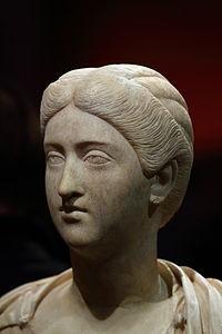 Commodus' ongelukkige vrouw Crispina. Hun huwelijk leverde geen erfgenaam op, mogelijk door impotentie of gewoon gebrek aan affectie.