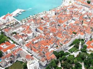 Het paleis van Diocletianus in Dalmatia is tegenwoordig het centrum van de Kroatische stad Split.