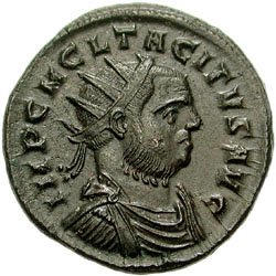 Een antoninianus van keizer Tacitus. De munt was door Aurelianus enigszins hersteld, maar echt waardevol was hij nog niet.