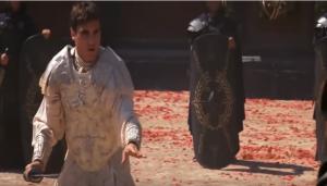 In Gladiator komt Commodus gruwelijk aan zijn einde in de arena. Het gevecht en de manier waarop het personage vals speelt, is ongetwijfeld gebaseerd op de bizarre schijngevechten die Commodus tegen weerloze mannen hield.