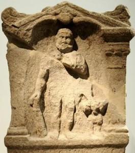 Postumus was een aanhanger van de Magusanus-cultus. Traditioneel beschouwt men dit als een bewijs van zijn Bataafse afkomst, al kan zijn band met de god ook door een overwinning bij diens heiligdom zijn gekomen.