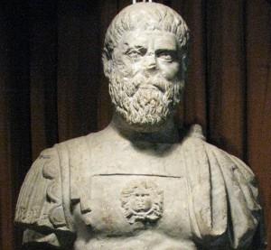 Publius Helvius Pertinax, een senator die onder Commodus meerdere ambten en in 192 ook het consulaat kreeg. Als stadsprefect van Rome stond hij bekend als een integer man. Zijn bescherming van het rellende volk had een aandeel in de val van Cleander. Na Commodus' werd Pertinax keizer gemaakt, maar regeerde maar een paar maanden.