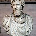 Keizer Septimius Severus. Onder hem begon de militarisering van het Romeinse rijk en het keizerschap.