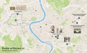 De stadsgidsen en plattegrond van Rome met topstukken die in de Nieuwe Kerk staan.