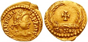 Een Tremissis van keizer Anthemius. Ook hij kwam om door verraad van Ricimer.