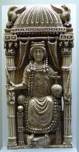 Ariadne, dochter van keizer Leo I, trouwde met Tarasicodissa, die later als Zeno op de troon kwam.