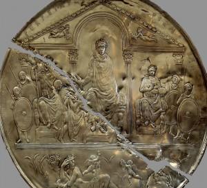 Replica van de schijf van Theodosius.