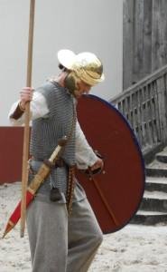 Waarschijnlijk leken de Bataafse cohorten AD 69 veel op Romeinse soldaten, maar met iets lichtere bewapening.