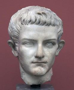 Buste_en_marbre_Caligula