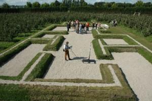 De contouren van het badhuis bij Castellum Hoge Woerd. Dit was een typisch, middelgroot soldatenbadhuis.