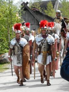 In het voorjaar van 70 AD bewegen 8 legioenen zich richting de Gallië. En dat is niet best voor de rebellen.