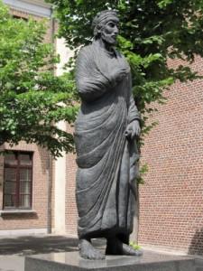 Een klein standbeeld voor Julianus in Tongeren herinnert aan zijn grote rol in de Romeinse strijd met de Franken aldaar. De stad onderging veel schade door de oorlogen.