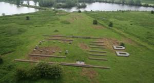 Het castellum van Meinerswijk (Arnhem), aan een zijtak van de Rijn, is jarenlang aangezien voor Castra Herculis. Ten onrechte, want er pasten hooguit 500 soldaten in.