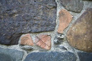 De kerk van Asselt bevat Romeins materiaal!