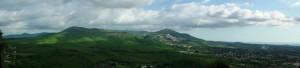 De Albaanse heuvels. Rechts de Monte Cavo, de Albaanse Berg.
