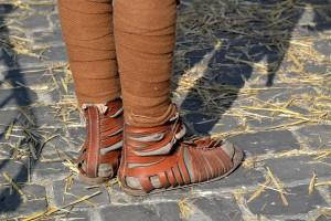 Sokken en windels kunnen je onderlijf lekker warm houden in de winter.