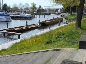 De Romeinse schepen in de haven van Woerden varen echt! Ze zijn echter gebaseerd op schepen uit De Meern.