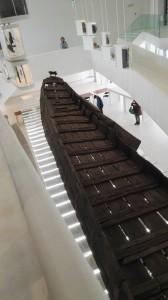 De Meern 1, het schip dat in 1997 gevonden werd. Het is te bewonderen in Castellum Hoge Woerd.