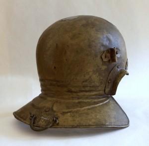 Eén van de helmen uit Rijswijk, waarschijnlijk uit een grafveld dat bij het castellum of de nabijgelegen vicus hoorde.