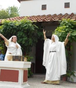 Romeinse en inheemse burgers konden er ook op uit trekken voor godsdienstige feesten. Of natuurlijk voor spektakel in een amfitheater!