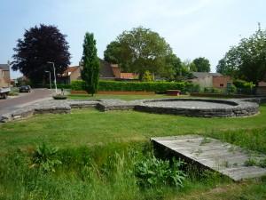 De fundering van één van de torens is nog zichtbaar in Aardenburg.