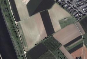 De Via Belgica, de Romeinse weg tussen Keulen en de westkust, is nog gedeeltelijk terug te vinden in het landschap ten westen van Maastricht.