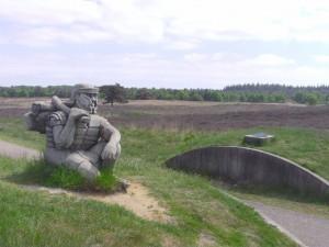 Het Romeinse dagmarskamp bij Ermelo is een opvallend duidelijk spoor van reizende troepen.