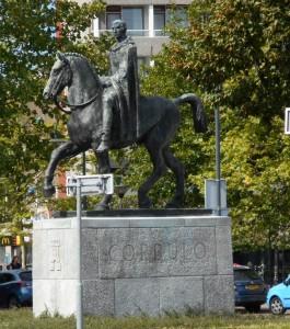 Het standbeeld van Corbulo in Voorburg herinnert aan de aanleg van zijn kanaal, dat van belang was in het ontstaan van Forum Hadriani.