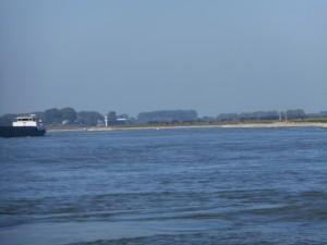 De Bataven zouden via de Rijn bij Lobith Nederland in zijn getrokken. Maar Lobith en Nederland bestonden nog niet...