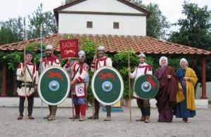 De eenheid van de Batavi, uitgebeeld door reenactors. (Bron: Wikimedia commons, CC-BY-SA-3.0